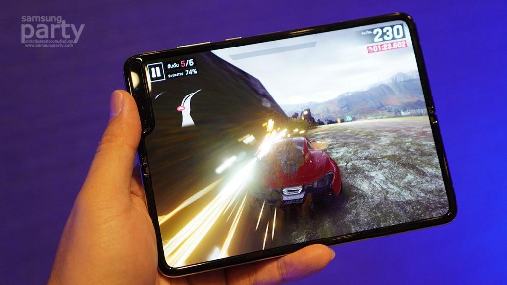 พรีวิว Samsung Galaxy Fold สมาร์ทโฟนหน้าจอพับได้ ฉีกกฏสมาร์ทโฟนรูปแบบเดิมๆ